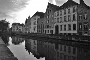 The Spiegelrei and the Langerei canals in Brugge.
