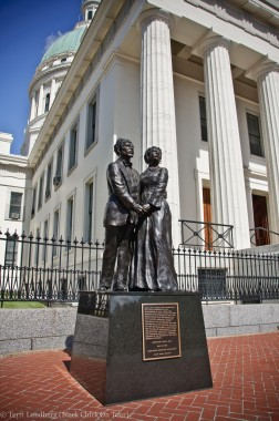 Dred and Harriet Scot Statue The Old Courthouse